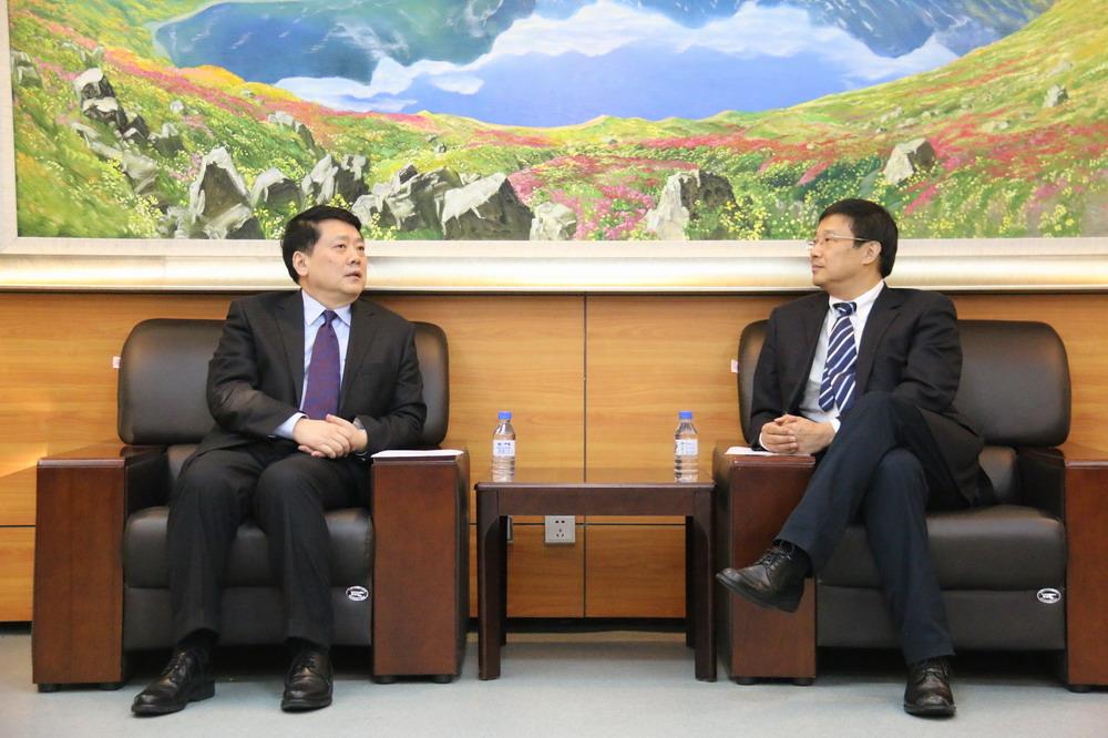 外交學院院長秦亞青教授一行訪問吉林大學